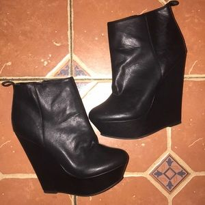 Black Bootie 6 in Wedge Heel
